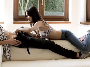 Blowjob From A Babe Excites Her Loving Boyfriend