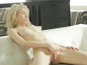 Sexy Solo Session Of A Teenage Babe Masturbating